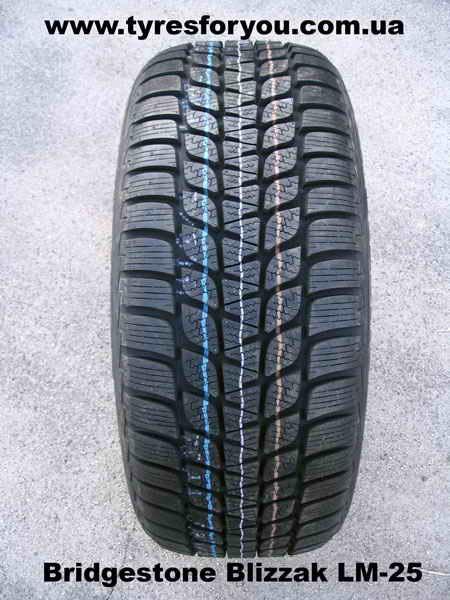 Bridgestone BLIZZAK LM-25 245/50 R20 102H